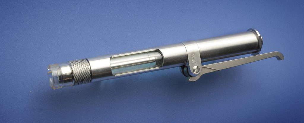 Akra dermojet - Needleless syringe